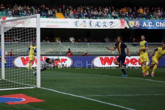 ChievoVerona_-_Hellas_Verona_0415_(2).jpg