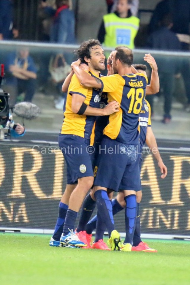 Hellas_Verona_-_CFC_Genoa_1051.JPG