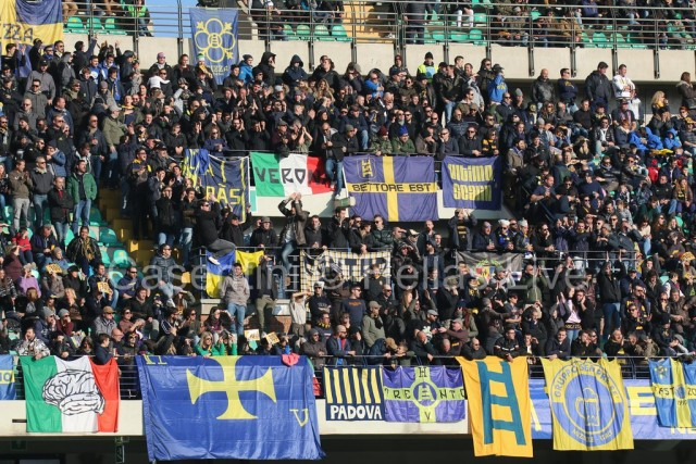 Hellas_Verona_-_ChievoVerona_2016.JPG