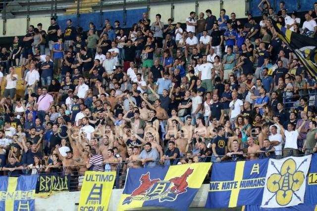 Hellas_Verona_-_Foggia_1449.JPG