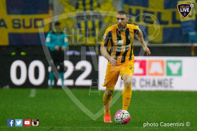 Udinese_-_Hellas_Verona_(2046)_copie.jpg