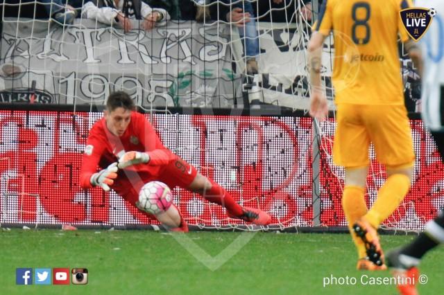Udinese_-_Hellas_Verona_(1542)_copie.jpg