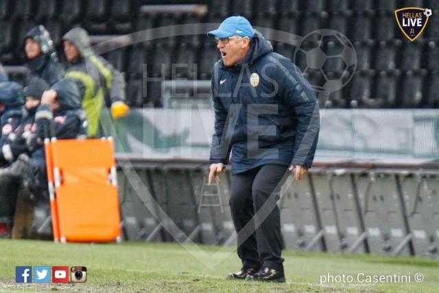 Udinese_-_Hellas_Verona_(2654)_copie.jpg